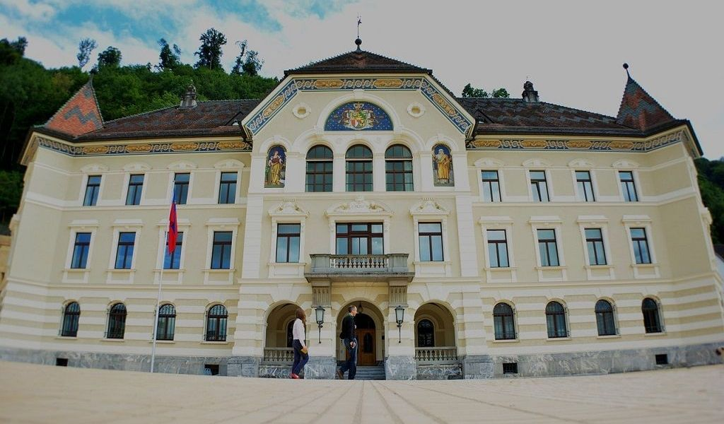 "Liechtenstein Based Union Bank to Become ""the First Regulated Bank to Issue Its Own Security Tokens"", Fiat Backed Stable Coin"