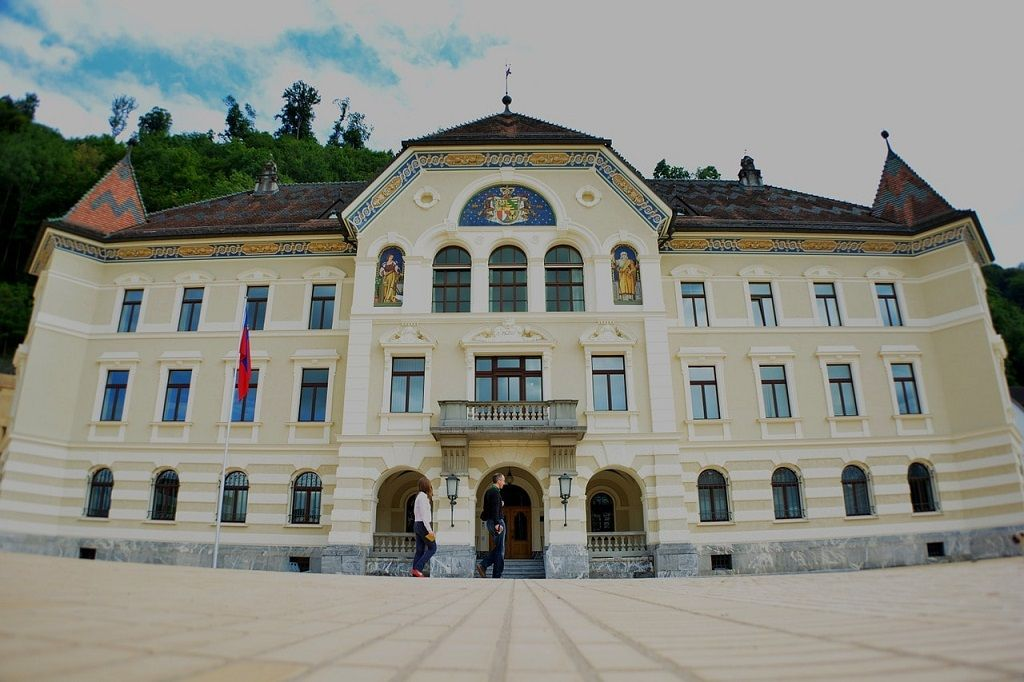 """Liechtenstein Based Union Bank to Become """"the First Regulated Bank to Issue Its Own Security Tokens"""", Fiat Backed Stable Coin"""