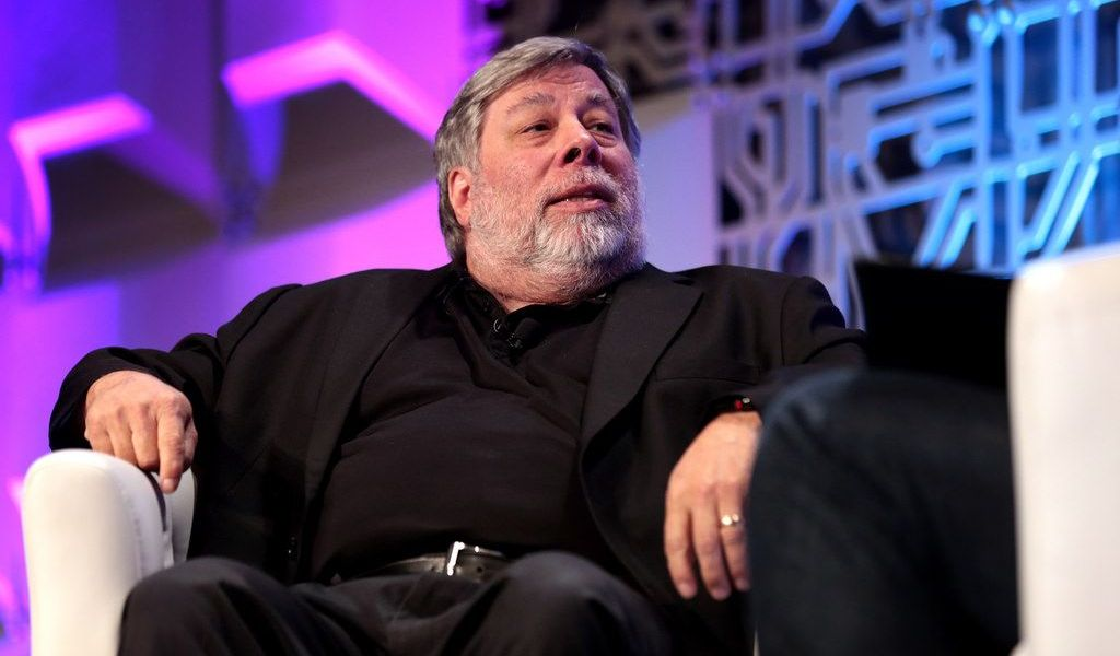 "Steve Wozniak Reverses Course on Blockchain, Compares It to the Early Internet, Calls Bitcoin ""Digital Gold"""