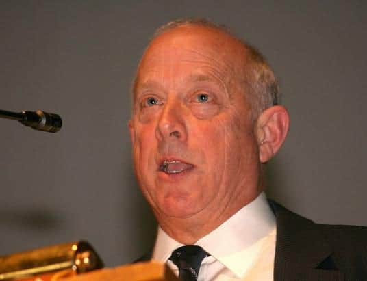 During a European Parliament meeting in 2013, the British politician Godfrey William Bloom explained that banks are broke.