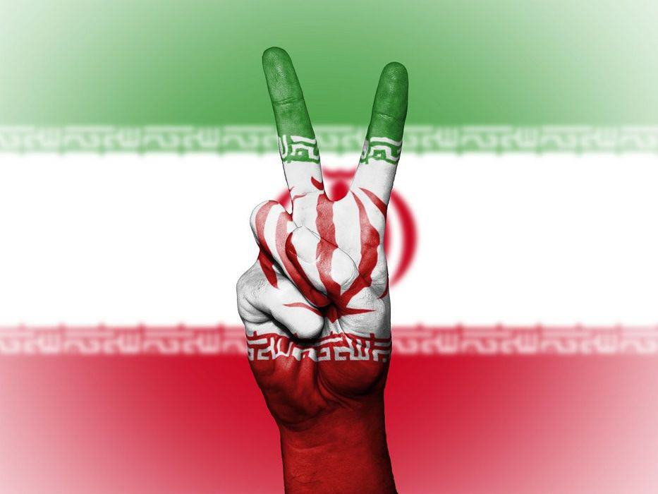 "Iran Aims to Avoid US Dollar by Pitching ""Crypto Rial"" to 8 Countries"