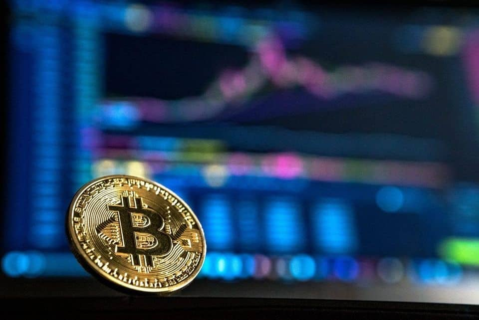 """Bitcoin Falls to $7,000 After China Promises to """"Dispose Of"""" Local Crypto Exchanges"""