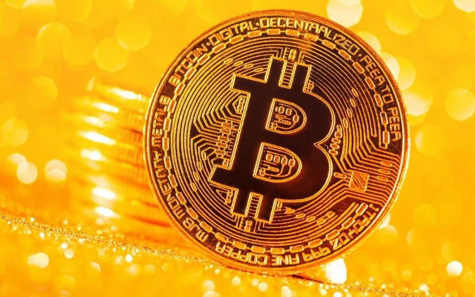 $11K Bitcoin Breakout Could Be Imminent, According To Technical Pattern Indicator