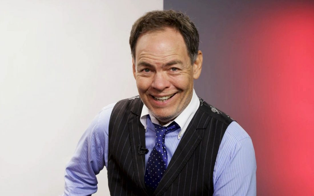"Max Keiser Says Warren Buffett Is ""Killing His Reputation"" Through Bitcoin Comments"